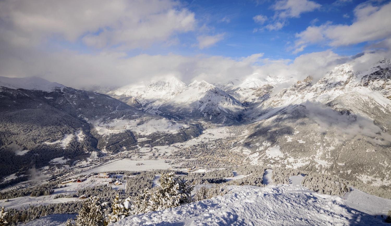 "Bormio_ski_resort_Italy.jpg ""width ="" 1500 ""height ="" 868"