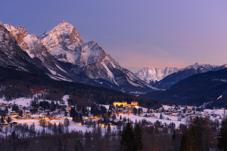 """Cortina_dAmpezzo_ski_resort_Italy_CREDIT_iStock.jpg """"width ="""" 1500 """"height ="""" 1001"""
