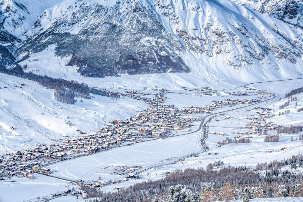 Livigno in winter from above_web.jpg