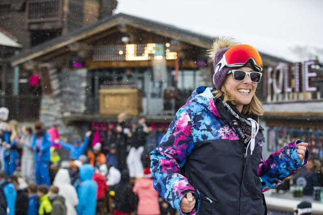 Partying at the Folie Douce.jpg