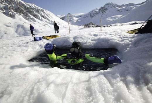 Tignes ice diving France