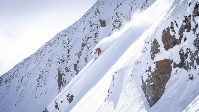Bozeman Big Sky Montana powder skiing.jpg